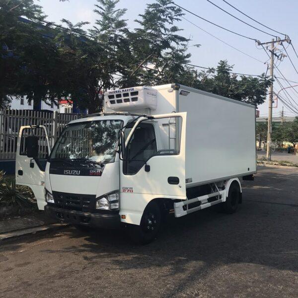 xe tai isuzu 1t9 thung dong lanh 4m2 qkr77he4 270 mct