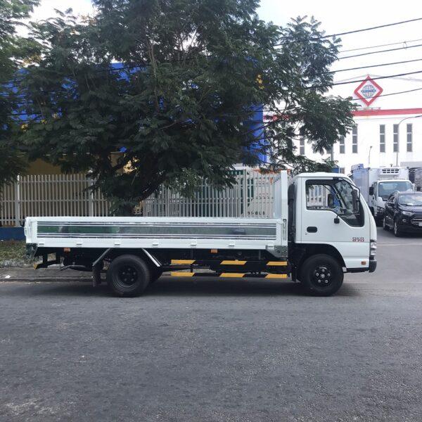 xe tai isuzu 3 tan thung lung 4m3 qkr77he4 mh