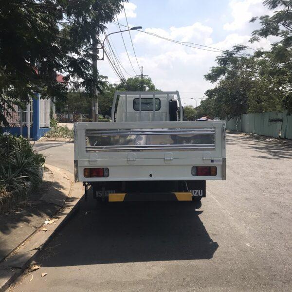 xe tai isuzu 3 tan thung lung 4m3 qkr77he4 ms