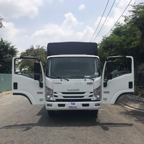 xe tai isuzu 5 tan thung mui bat 6m1 nqr75me4 mct