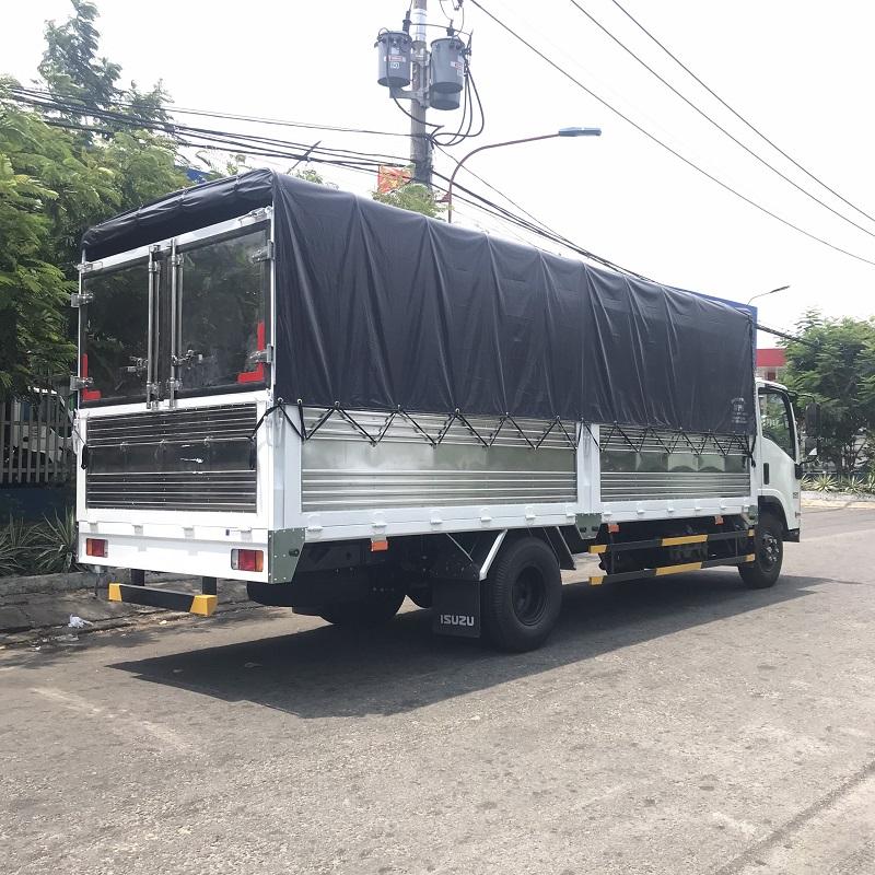xe tai isuzu 5 tan thung mui bat 6m1 nqr75me4 mhs