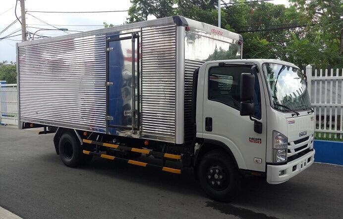 Xe tải isuzu 5 tấn thùng kín